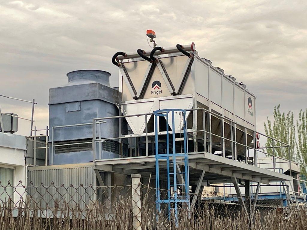 Torre enfriadora de agua VS enfriador adiabático Ecodry
